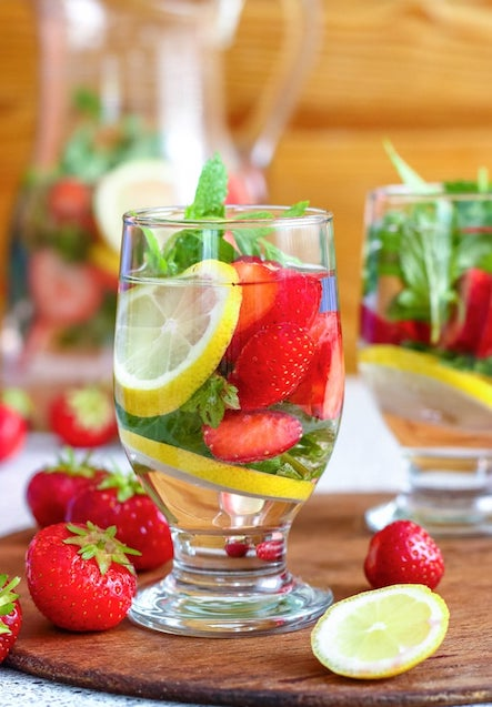 STRAWBERRY WITH LEMON AND HERBS